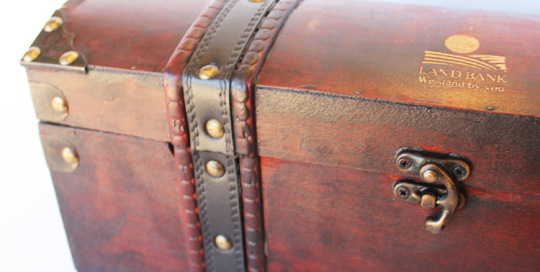 Engraved chest
